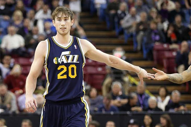 Utah Jazz forward Gordon Hayward out with foot injury