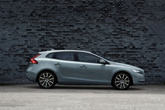 2017 Volvo V40 News Refreshed Hatchback To Be Introduced At Geneva