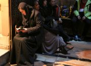 woman-prays-in-holy-sepulchre-church