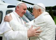 pope-francis-embraces-pope-emeritus-benedict-xvi