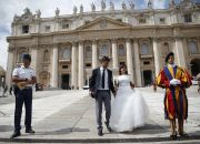 married-couple-at-the-vatican