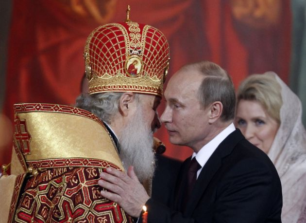 Orthodox christians celebrate easter with holy fire ceremony in orthodox christians celebrate easter with holy fire ceremony in jerusalem greetings from putin in russia m4hsunfo