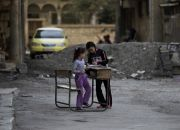 syrian-girls-at-school