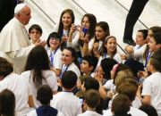 pope-francis-talks-with-children-at-the-vatican