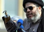 radical-muslim-cleric-sheikh-abu-hamza-al-masri-in-london