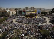 crowd-for-pope-francis-mass-in-manger-square