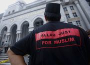 muslim-man-says-allah-only-for-islam