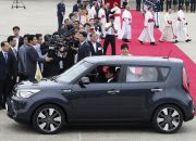 pope-francis-in-his-popemobile-in-seoul