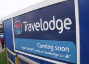travelodge-sign