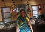 woman-convert-from-christianity-to-hinduism